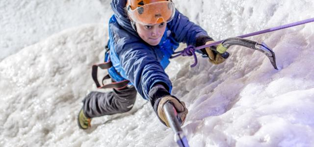 VERTICAL CHILL REAL INDOOR ICE CLIMBING