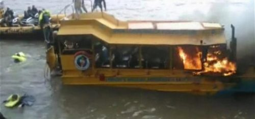 WATCH: THAMES TOUR BOAT CATCHES FIRE